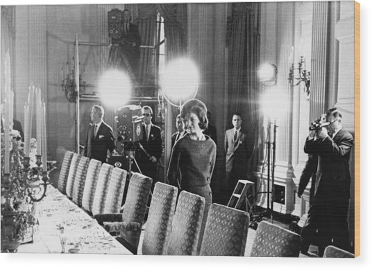Jacqueline Kennedy And Television Crew Wood Print by Everett