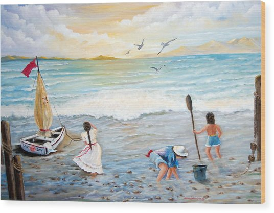 Lady Bay Children On The Beach Wood Print by Janna Columbus