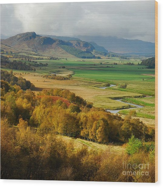 Laggan Autumn - The Clan Mcphersons Seat Wood Print by John Kelly