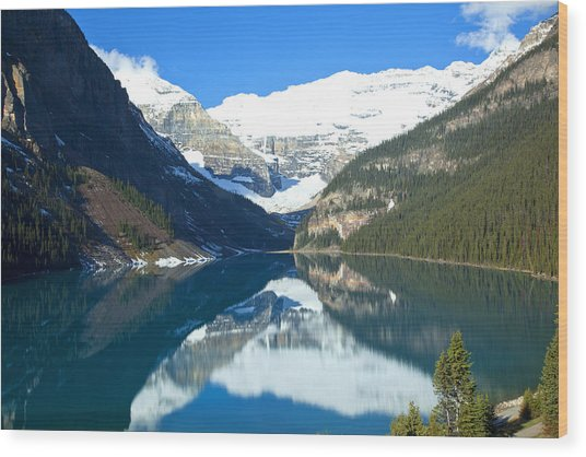 Lake Louise 1827 Wood Print by Larry Roberson