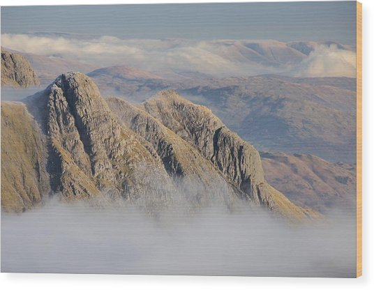 Langdale Pikes Wood Print by Stewart Smith