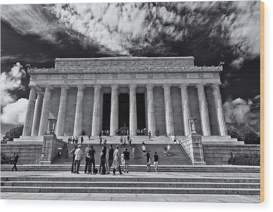 Lincoln Memorial In Black And White Wood Print