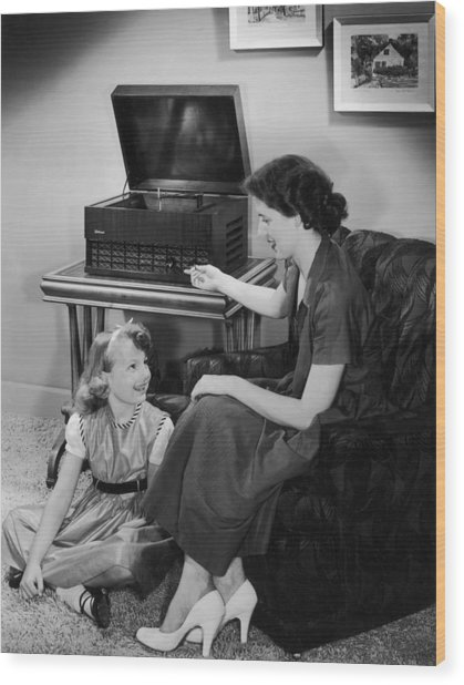 Listen With Mother Wood Print by Archive Photos