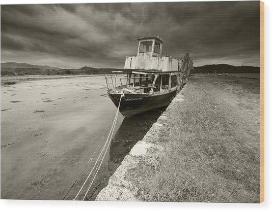 Loch Etive Jetty Old Boat Wood Print