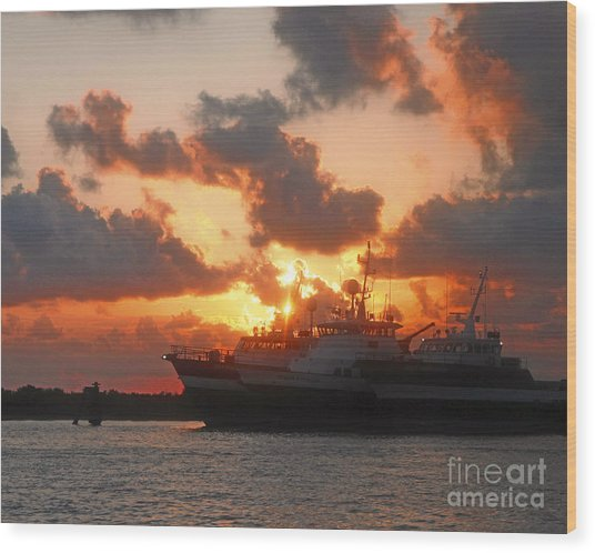Louisiana Sunset In Port Fourchon Wood Print