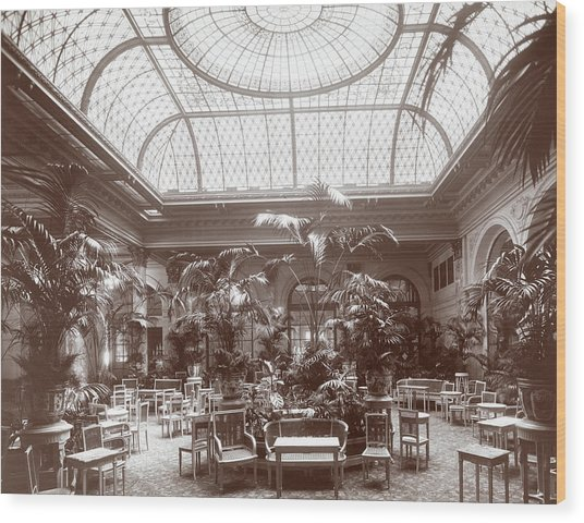 Lounge At The Plaza Hotel Wood Print