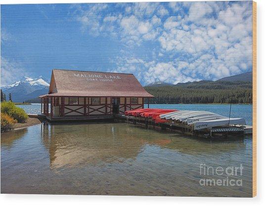 Maligne Lake Boat House Wood Print