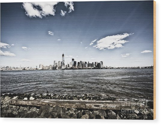 Manhattan Wood Print by Leslie Leda