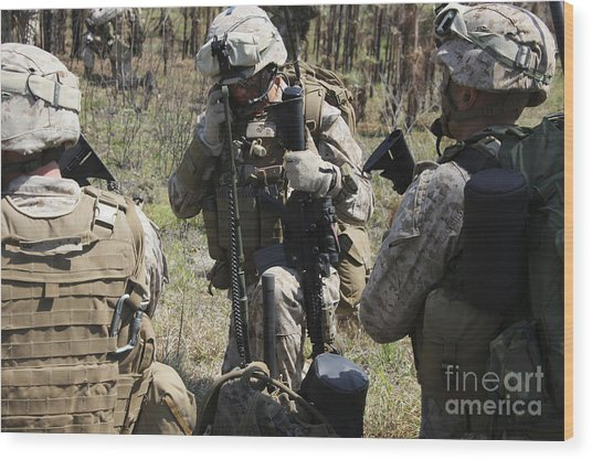 Marines Communicate With Other Elements Wood Print