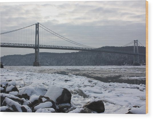 Mid-hudson In Winter Wood Print by Robert Rizzolo