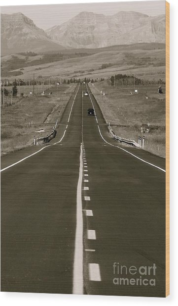 Middle Of The Road Wood Print by David  Hubbs