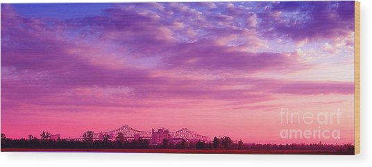 Mississippi River Bridge At Twilight Wood Print
