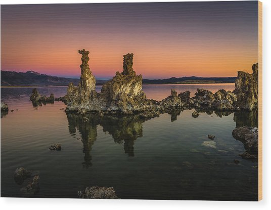 Mono Lake Tufa At Sunrise Wood Print