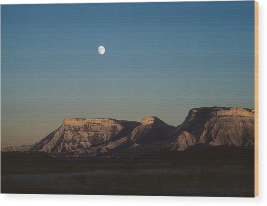 Moon Rise Over Mesa Verde Wood Print