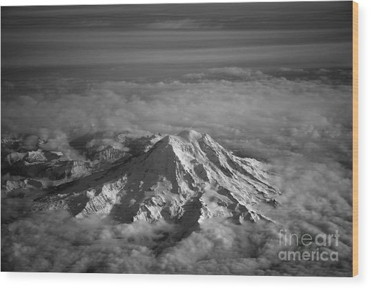 Mount Rainier Wood Print by Ei Katsumata