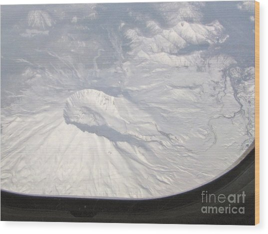 Mount St. Helens From Alk 458 Wood Print