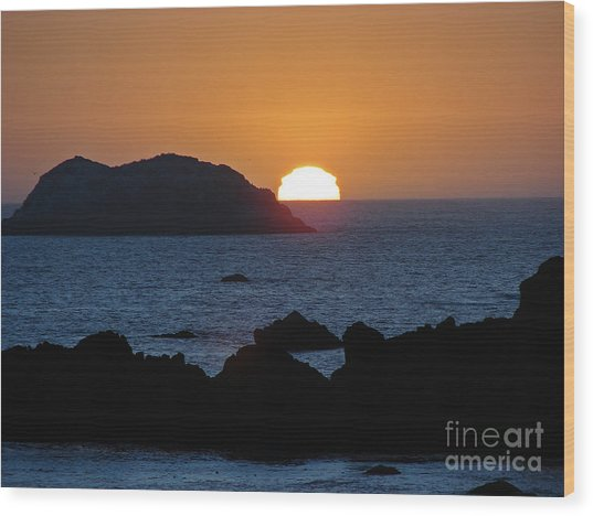 Mystic Sunset Wood Print by Suze Taylor