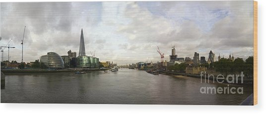 New London - Old London Wood Print by Keith Sutton