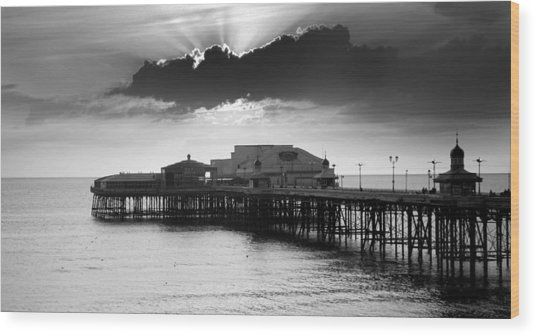 North Pier Wood Print by Aetherial Pictography