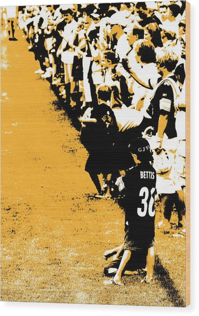 Number 1 Bettis Fan - Black And Gold Wood Print