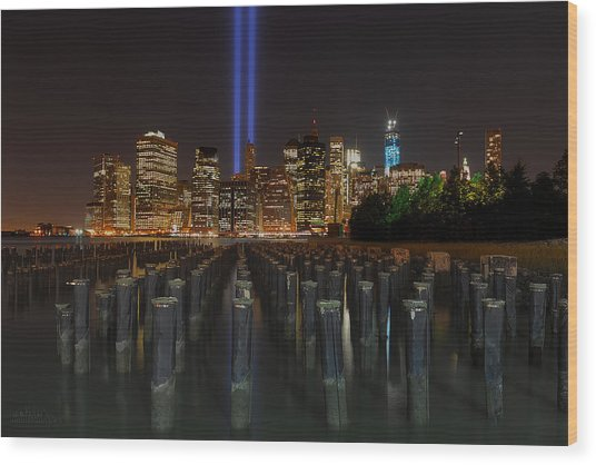Nyc Tribute Lights - The Pier Wood Print
