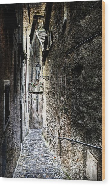 old alley in Italy Wood Print