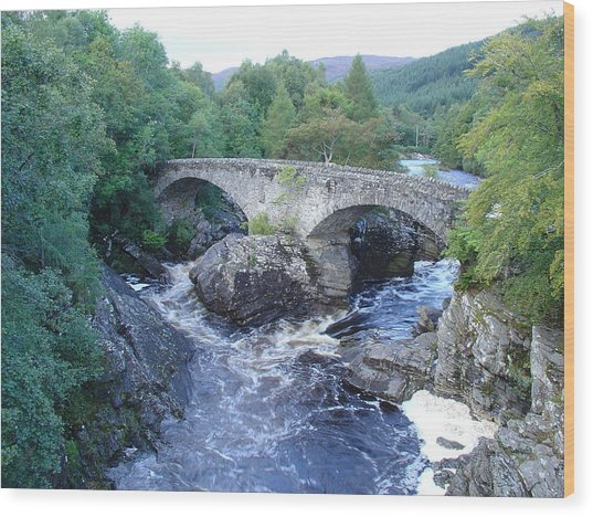 Old Bridge At Invermoriston Wood Print