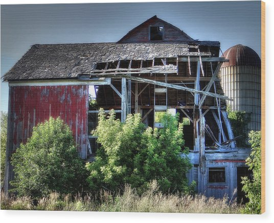 Old Country Barn Wood Print by Michael Wilcox