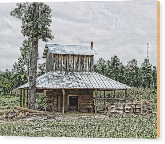 Old Fashioned Tobacco Barn Wood Print by Dwayne  Graham