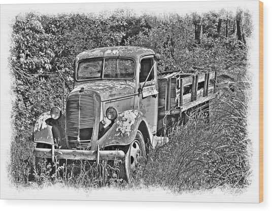 Old Ford Flatbed Bw Wood Print