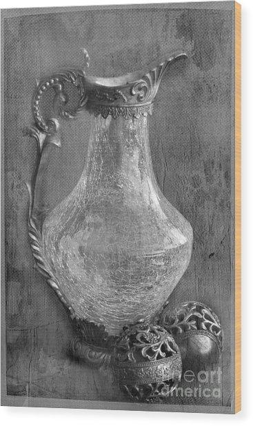 Old Jug Wood Print