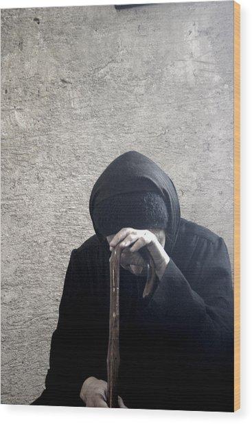 Old Nun Praying Wood Print
