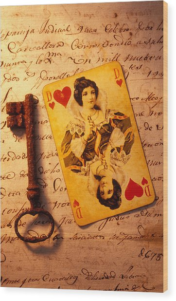 Old Playing Card And Key Wood Print
