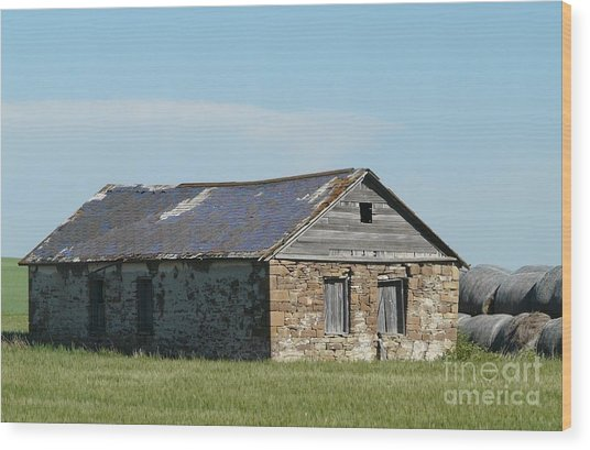 old rock house in ND. Wood Print by Bobbylee Farrier