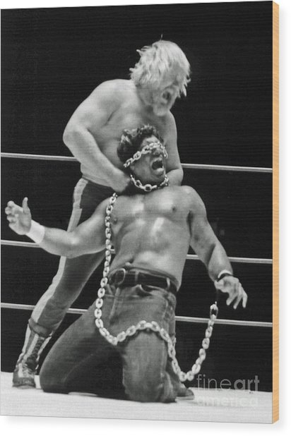 Old School Wrestling Chain Match Between Moondog Mayne And Don Muraco Wood Print
