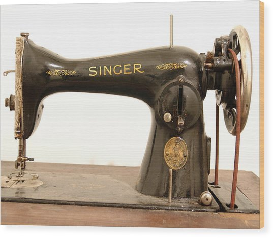 Old Singer 2 Wood Print