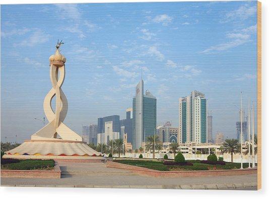 Oryx Roundabout In Qatar Wood Print by Paul Cowan