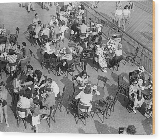 Outdoor Cafe Scene Wood Print by George Marks
