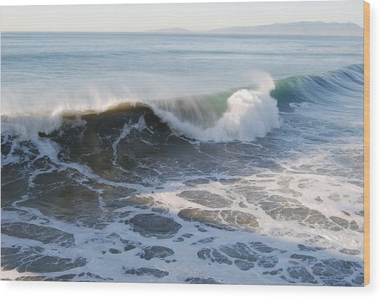 Pacific Ocen Wood Print by Richard Adams