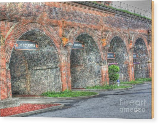 Parking Garage At Newport On The Levee Wood Print