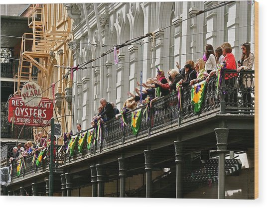 Pearl Restaurant Parade Spectators Wood Print