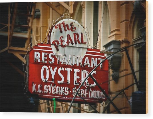 Pearl Restaurant Sign Wood Print