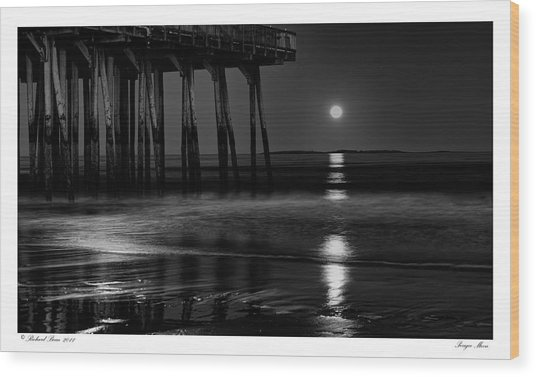 Perigee Moon Wood Print by Richard Bean