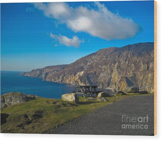 Picnic Time At Slieve League Ireland Wood Print by Black Sun Forge