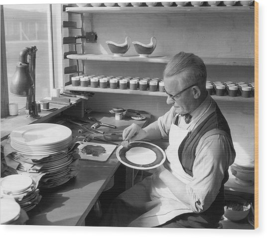 Plate Painter Wood Print by L Blandford