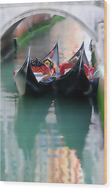 Wood Print featuring the photograph Ready For Romance by Vicki Hone Smith