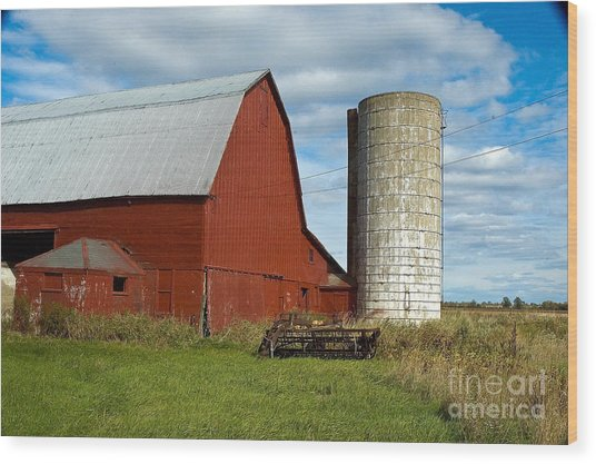 Red Barn With Silo Wood Print by Ginger Harris