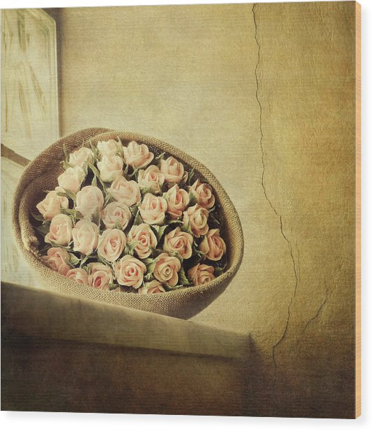 Roses On Window Wood Print by Marco Misuri