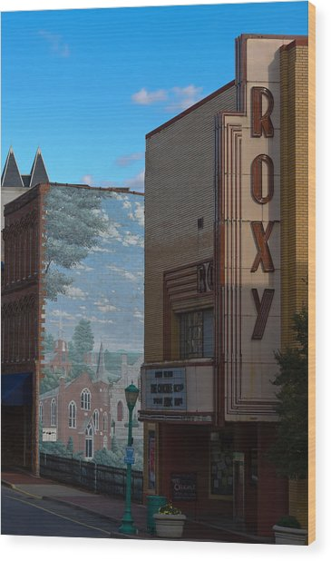 Roxy Theater And Mural Wood Print