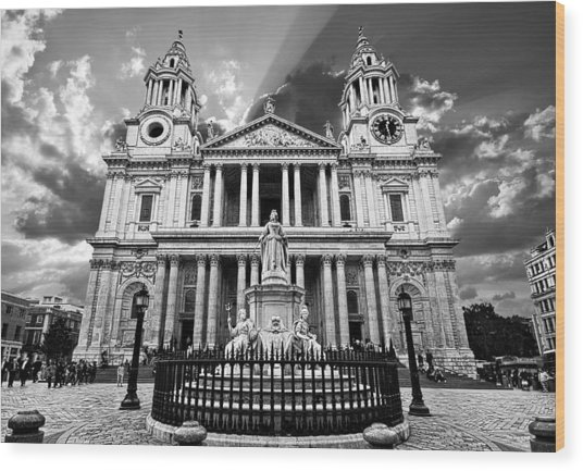 Saint Paul's Cathedral Wood Print by Meirion Matthias